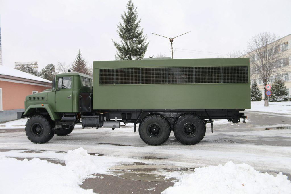 Вахтівка на базі КрАЗ-63221