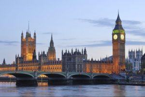 У Британії підозрюють РФ у крадіжці секретних даних