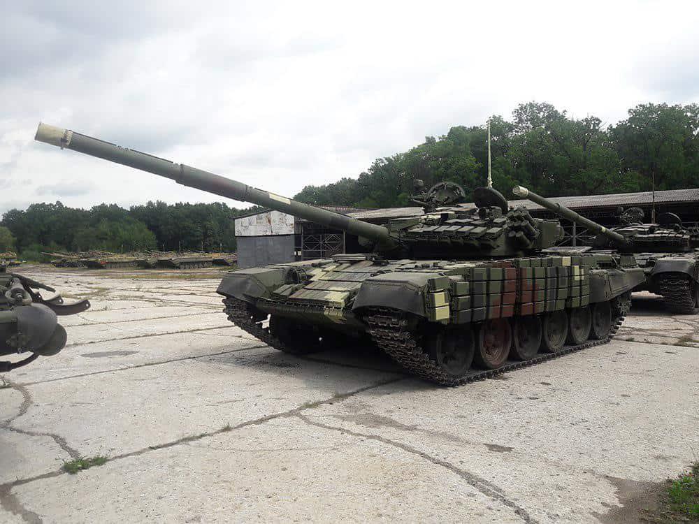 Відремонтовані на ЛБТЗ танки Т-72