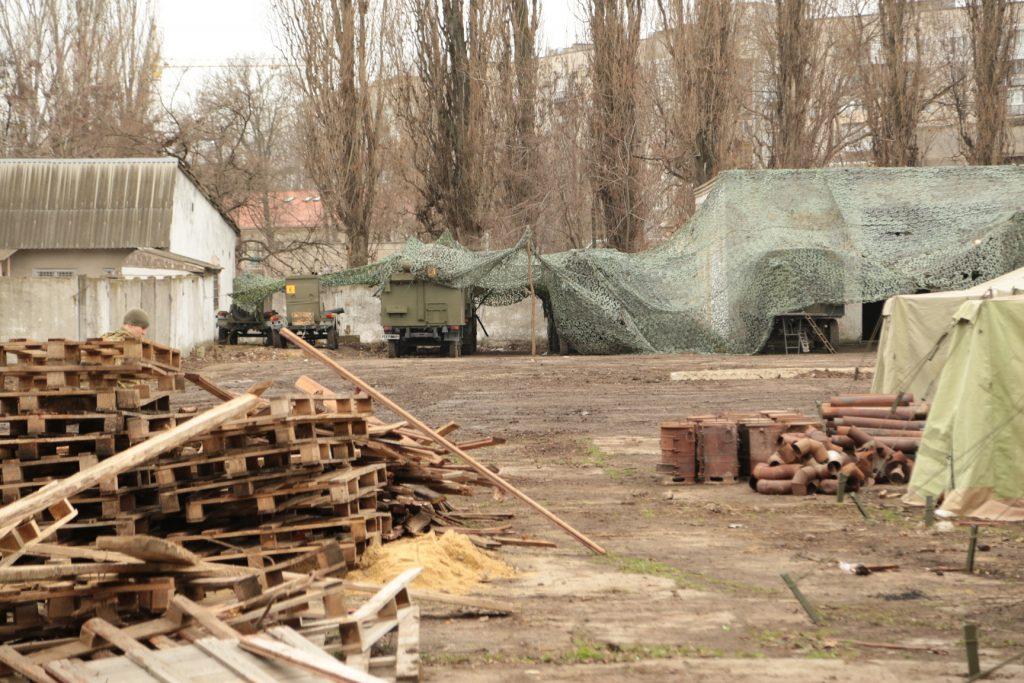 Впорядкування території наметового містечка штабу Командування ВМС ЗС України