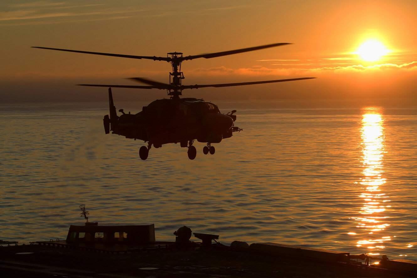 Ка-52К на палубі авіанесучого крейсеру «Адмирал Кузнецов»