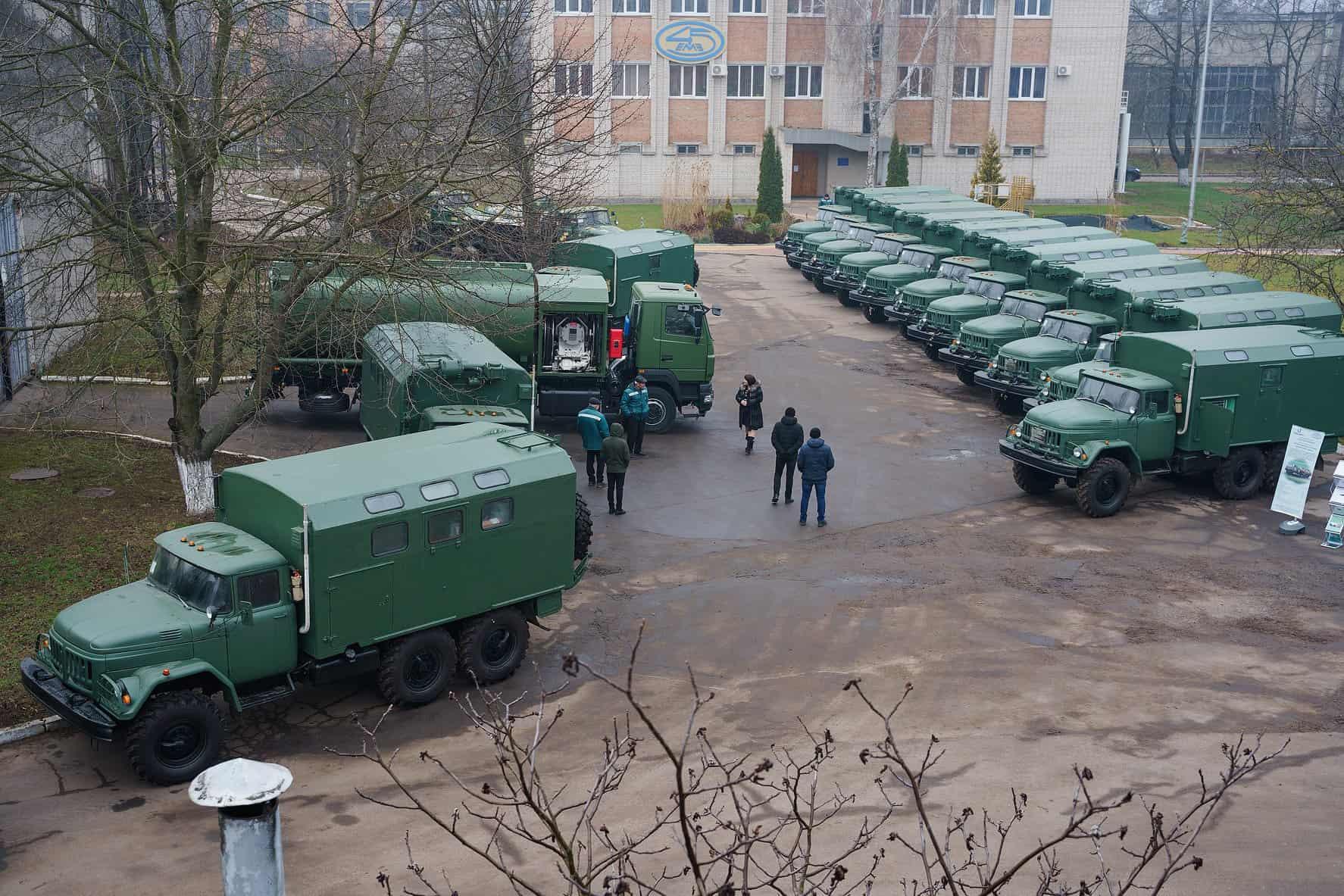 Модернізовані танкоремонтні майстерні ТРМ-80 серед іншої продукції 45 експериментального механічного заводу