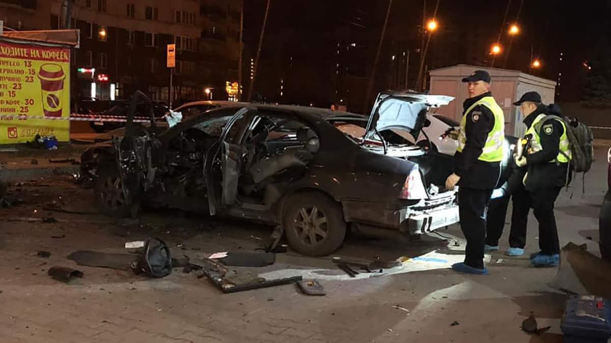 Підірваний автомобіль у Києві
