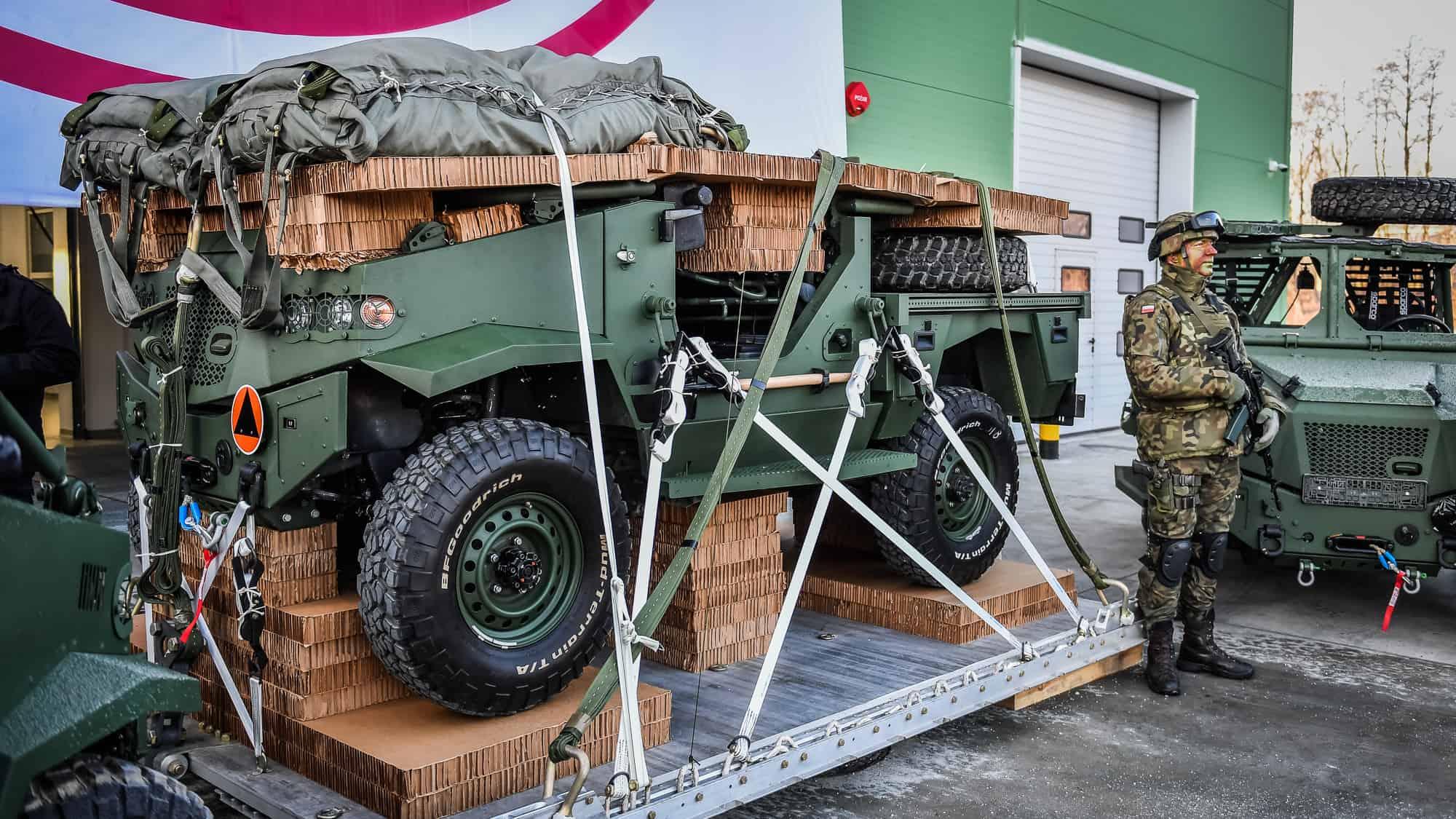 Транспортний засіб Aero 4x4 підготовлений до десантування