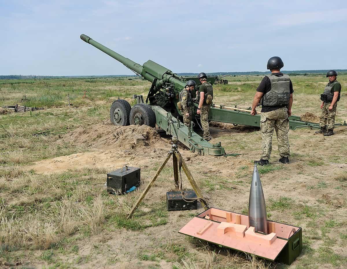 Випробування вітчизняних 152-мм артилерійських снарядів