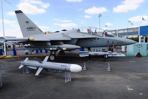 Навчально-бойовий літак M-346FA