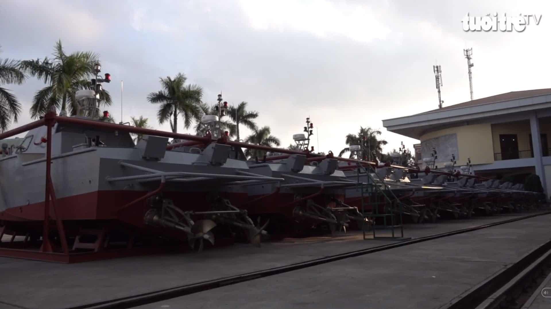 Швидкісні патрульні катери вироблені у В'єтнамі для однієї з країн Африки