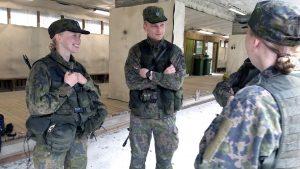 Армія Фінляндії: у казармах спільно проживатимуть чоловіки та жінки