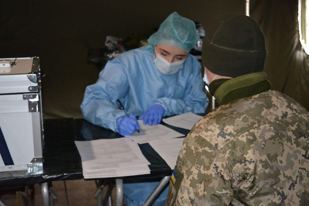 Військовослужбовців ЗСУ тестують на коронавірус