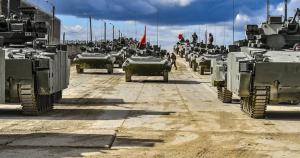 Зразки нової військової техніки Росії готуються до параду