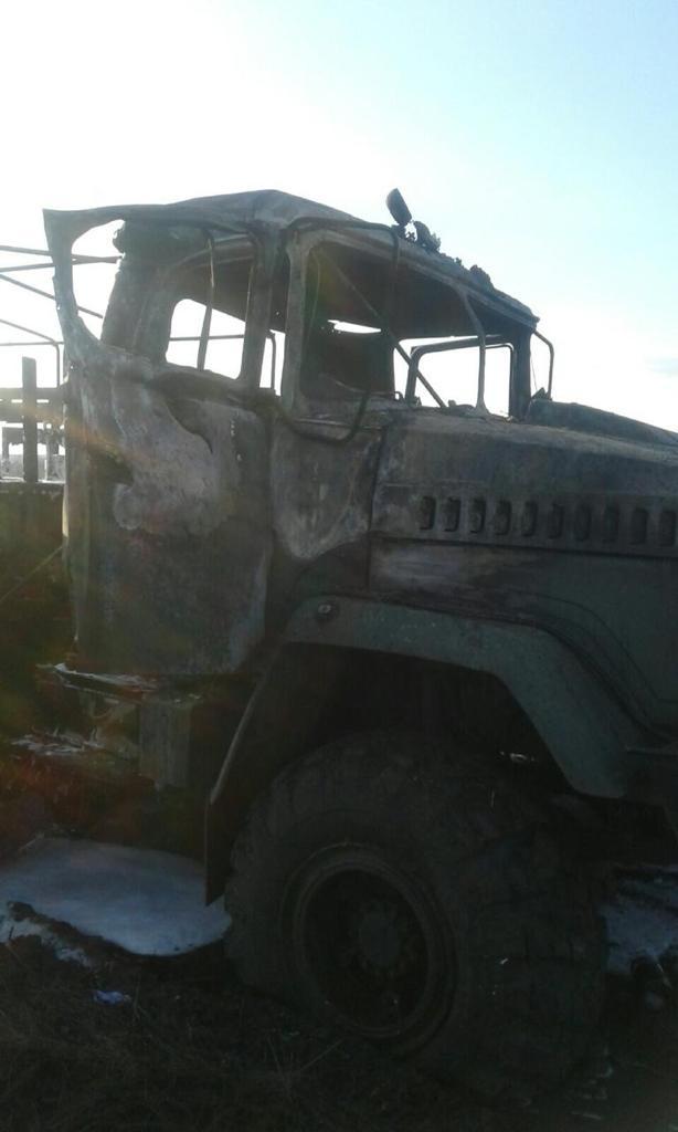 КрАЗ після обстрілу. Фото: Прокуратура Луганської області.