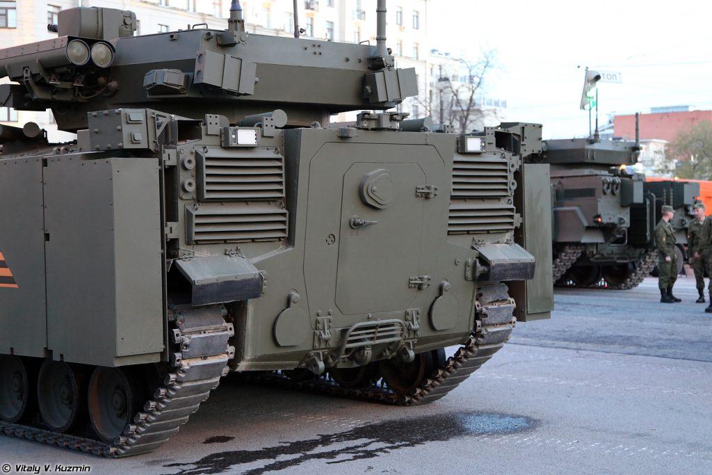 """""""Курганец-25"""". Фото з минулорічних парадів у Росії."""