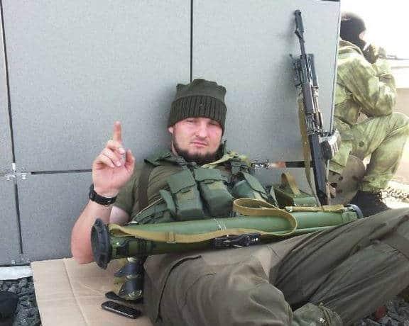 Чеченський бойовик на даху Донецького аеропорту