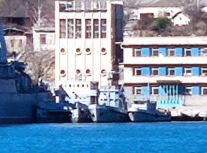 В окупованому Севастополі продовжують збирати захоплені кораблі ВМС