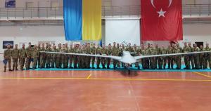 Міноборони планує виробництво турецьких ударних безпілотників в Україні