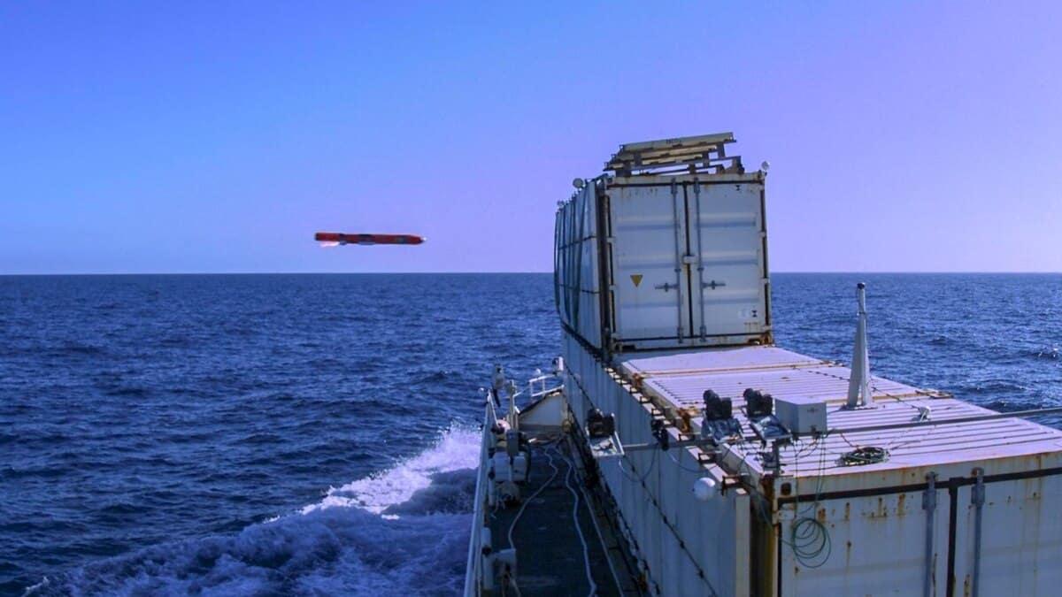 Протикорабельна ракета Sea Venom влучає у ціль в ході випробувань