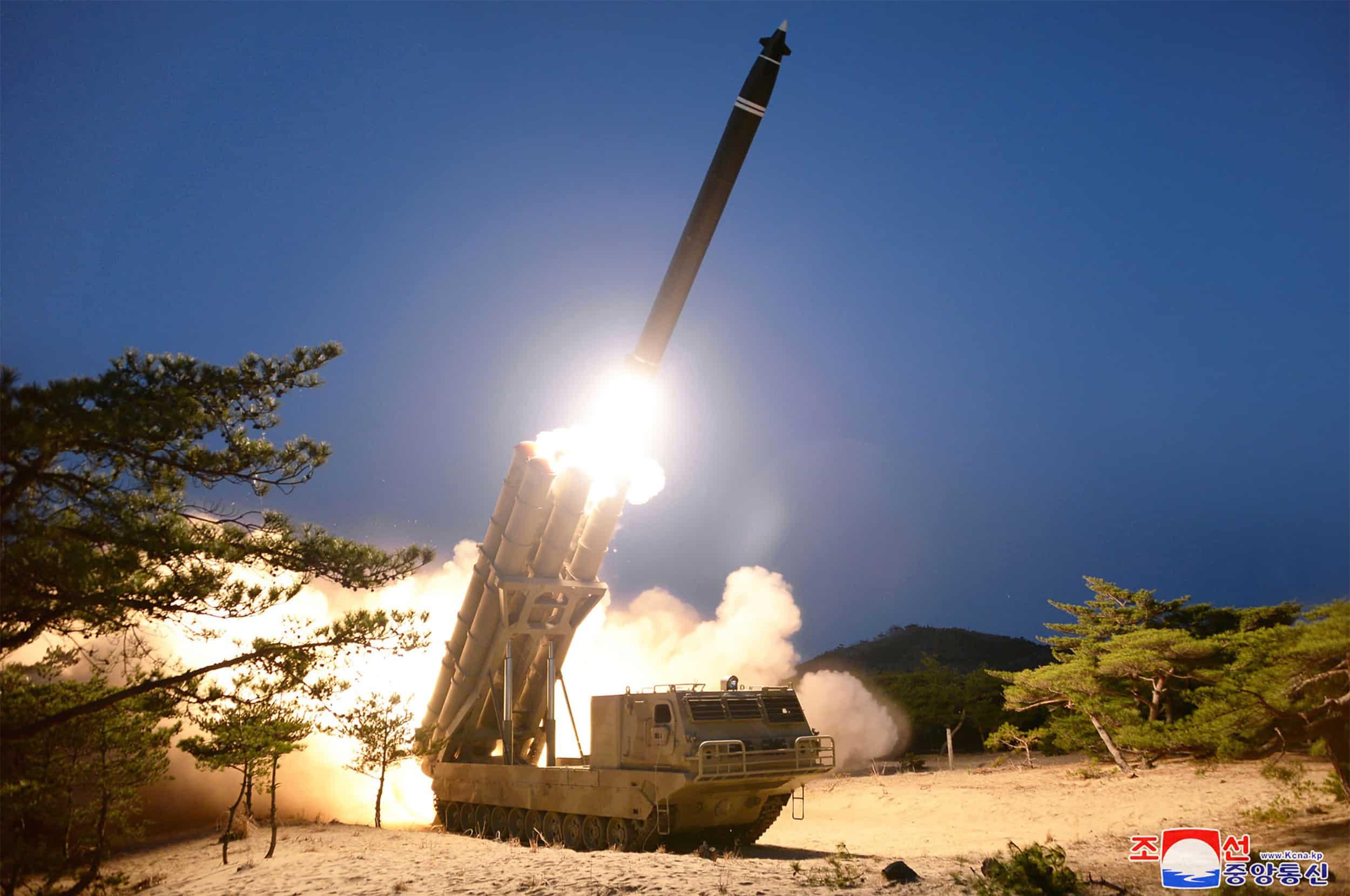 Ракетні пуски з надважкої пускової установки