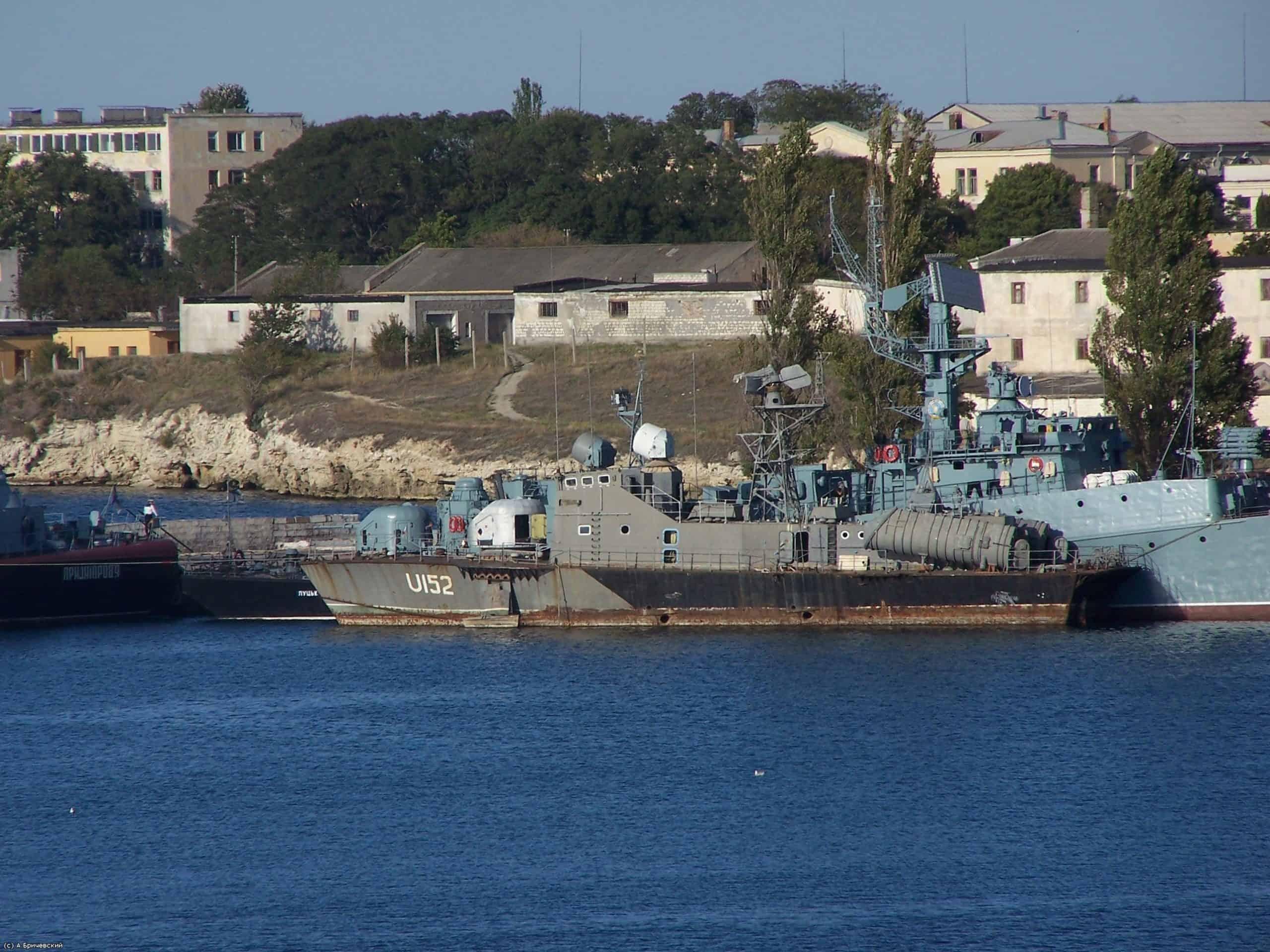 Ракетний катер Чорноморського флоту Р-260 переданий Україні де отримав назву «Умань» та виведений зі складу флоту у 2008 році