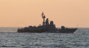 «Ивановец» охороняє захоплені Росією плавучі бурові установки