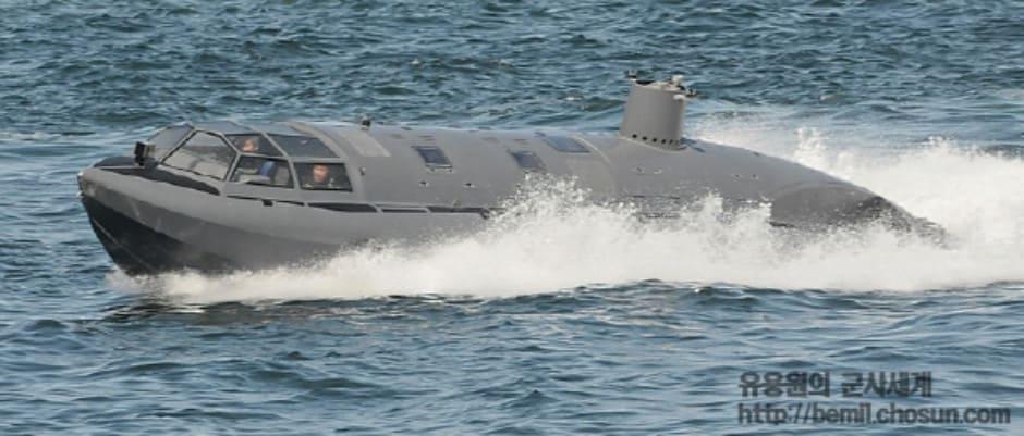 SDV 1000 W на ходу в надводному режимі