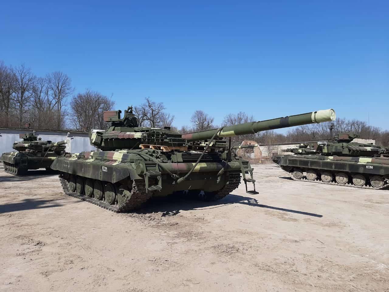 Львівський бронетанковий передав нову партію модернізованих Т-64