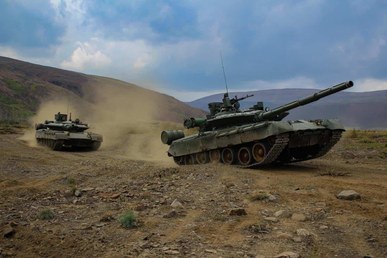 Танки Т-80БВМ 200-ї бригади