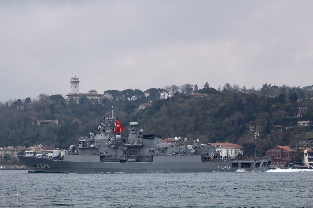 Турецький фрегат TCG Salihreis (F246) 23 березня 2020 року