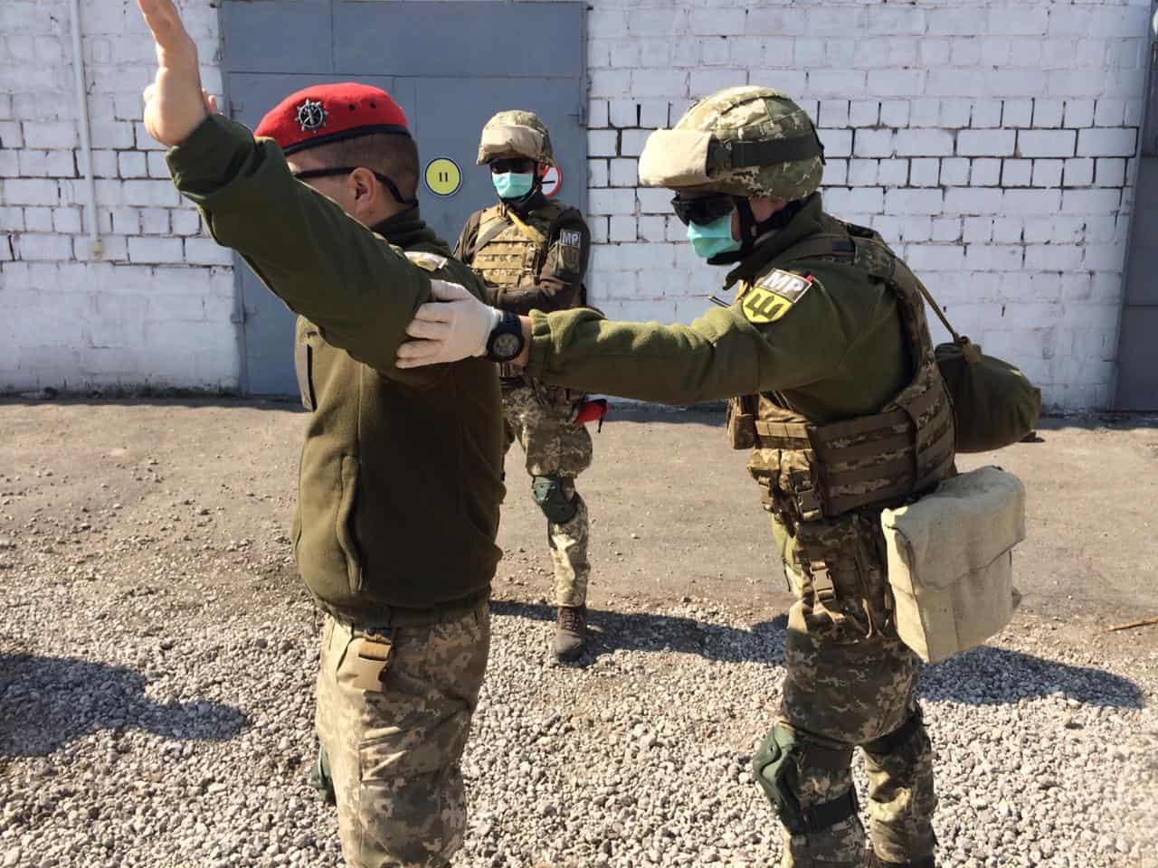 Тренування по затриманню порушників карантину. Фото: ВСП