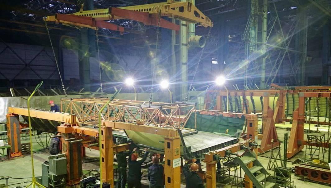 стапельне складання відсіку вантажної підлоги літака Ан-178