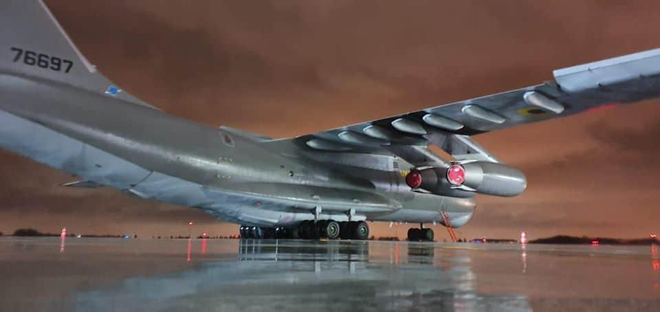 Літак Іл-76 в аеропорту Бухареста. Фото: @AeronewsGlobal