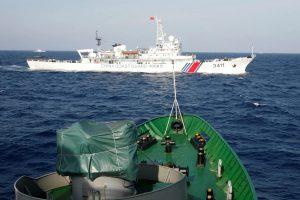 Китайський корабель протаранив в'єтнамське риболовецьке судно