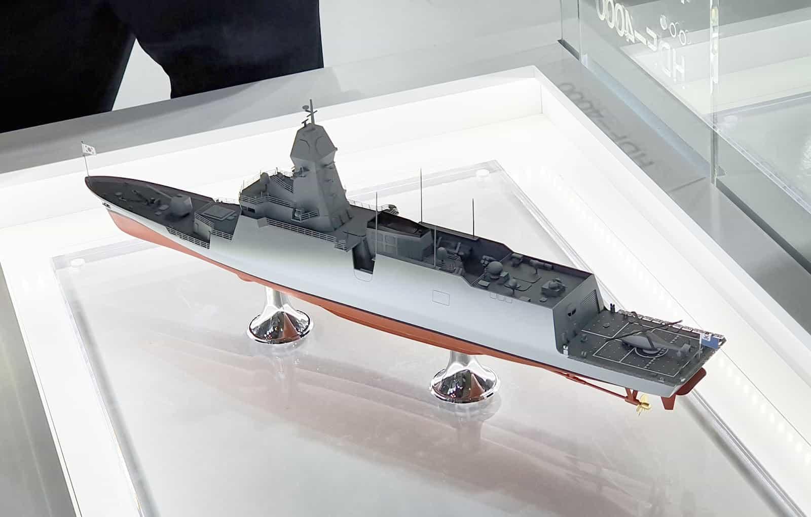 Модель фрегату FFX-III для ВМС Південної Кореї