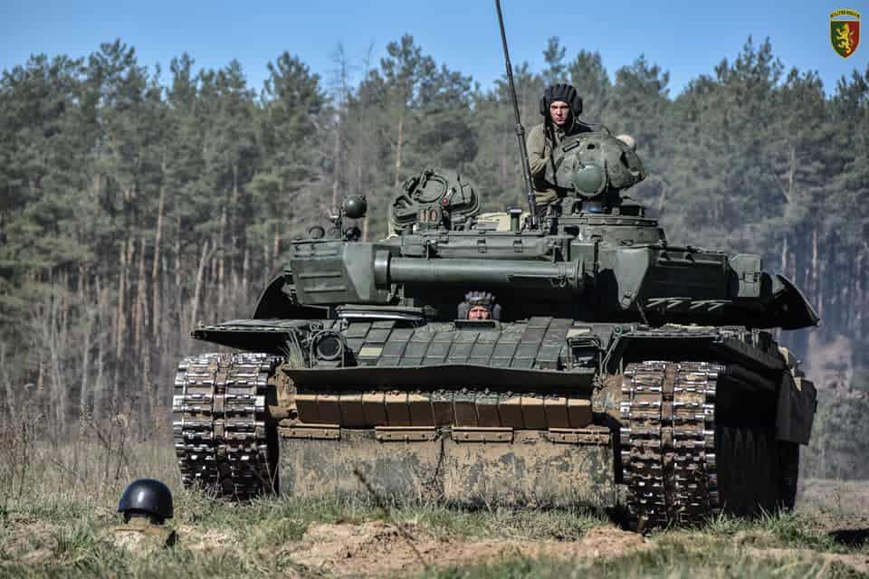 Модернізовані танки Т-72 на озброєнні 24-ї оМБр