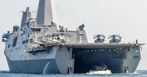 США замовили десантний транспорт-док