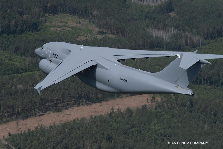Політ літака Ан-178