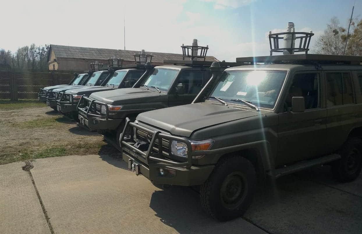 Позашляховики Toyota Land Cruiser передані посольством США в Україні