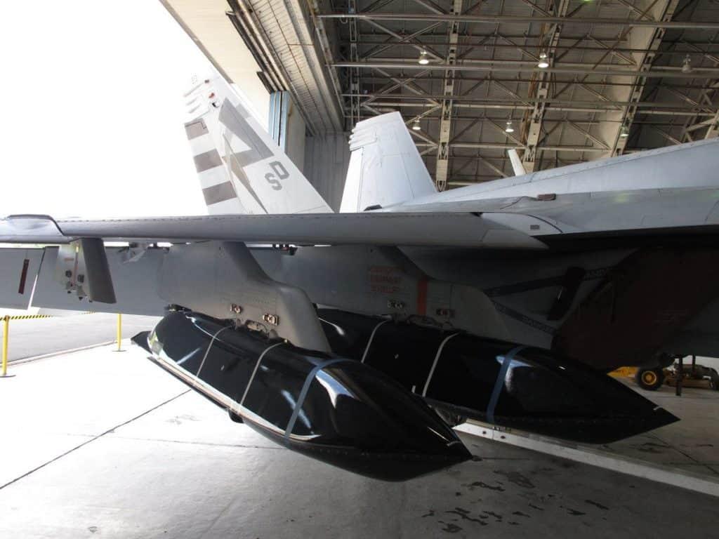 Протикорабельні ракети LRASM на багатоцільовому літаку F/A-18