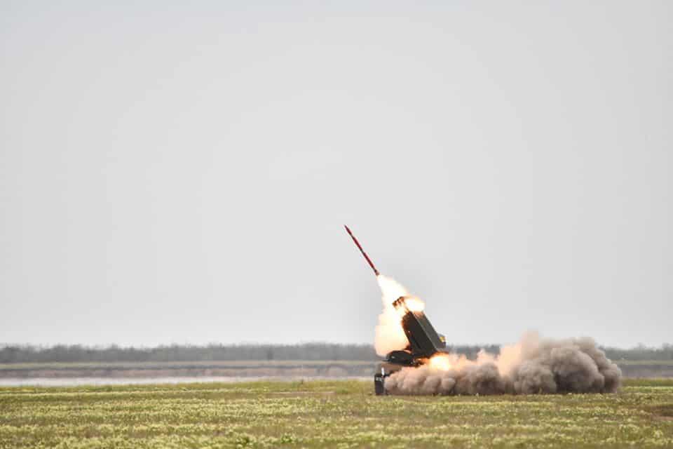 Пуск 122-мм реактивного снаряду «Тайфун-1» 29 квітня 2020 року