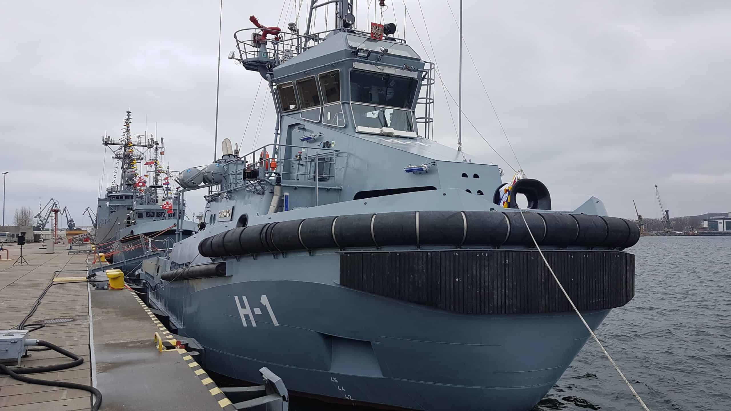 Рейдовий буксир Gniewko (H-1) ВМС Польщі