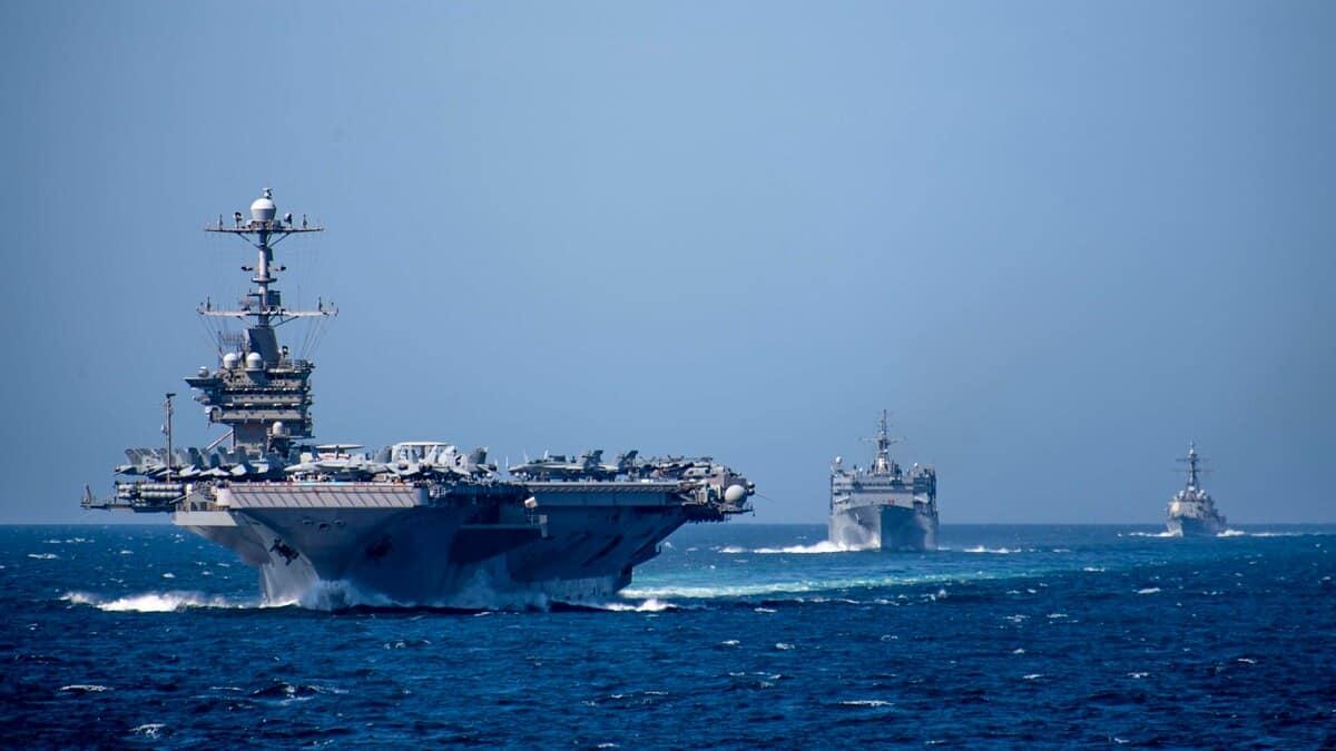 Авіаносець ВМФ США USS Harry S. Truman (CVN-75) з супроводженням. Фото: navytimes.com