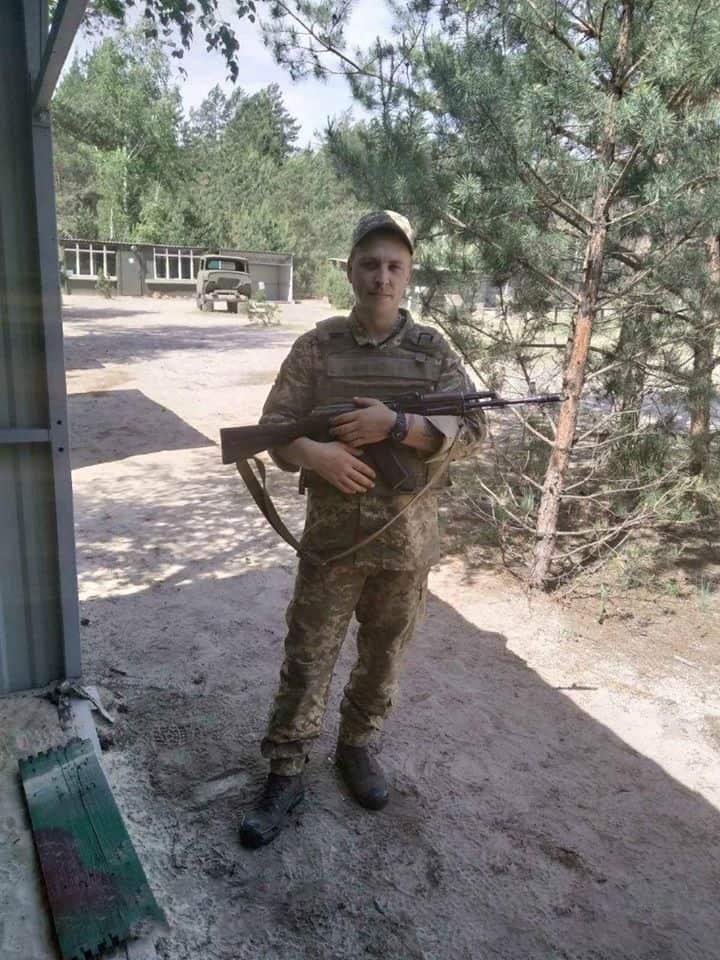 солдат Олексій Лісін