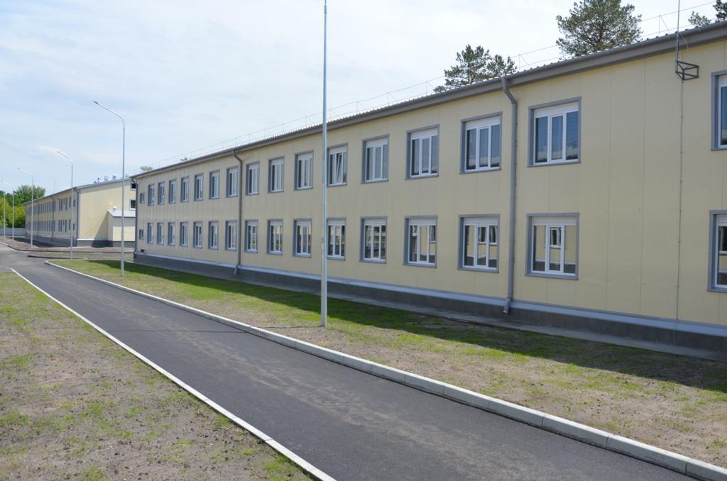 Будівлі казарм на полігоні у Черкаському