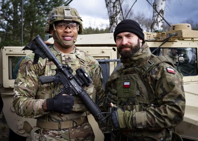 Солдати армій США та Польщі