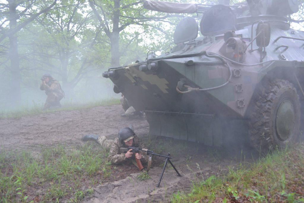 Курсанти під час навчань з БТР-3 Фото: Військовий інститут