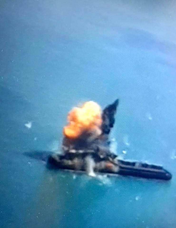 Фото влучання в надводну ціль спорядженою бойовою частиною ракети Р-360 ракетного комплексу РК-360МЦ «Нептун»: