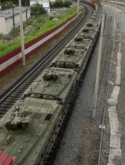 БМП-1АМ «Бусурманин» під час транспортування неподалік Барнаулу