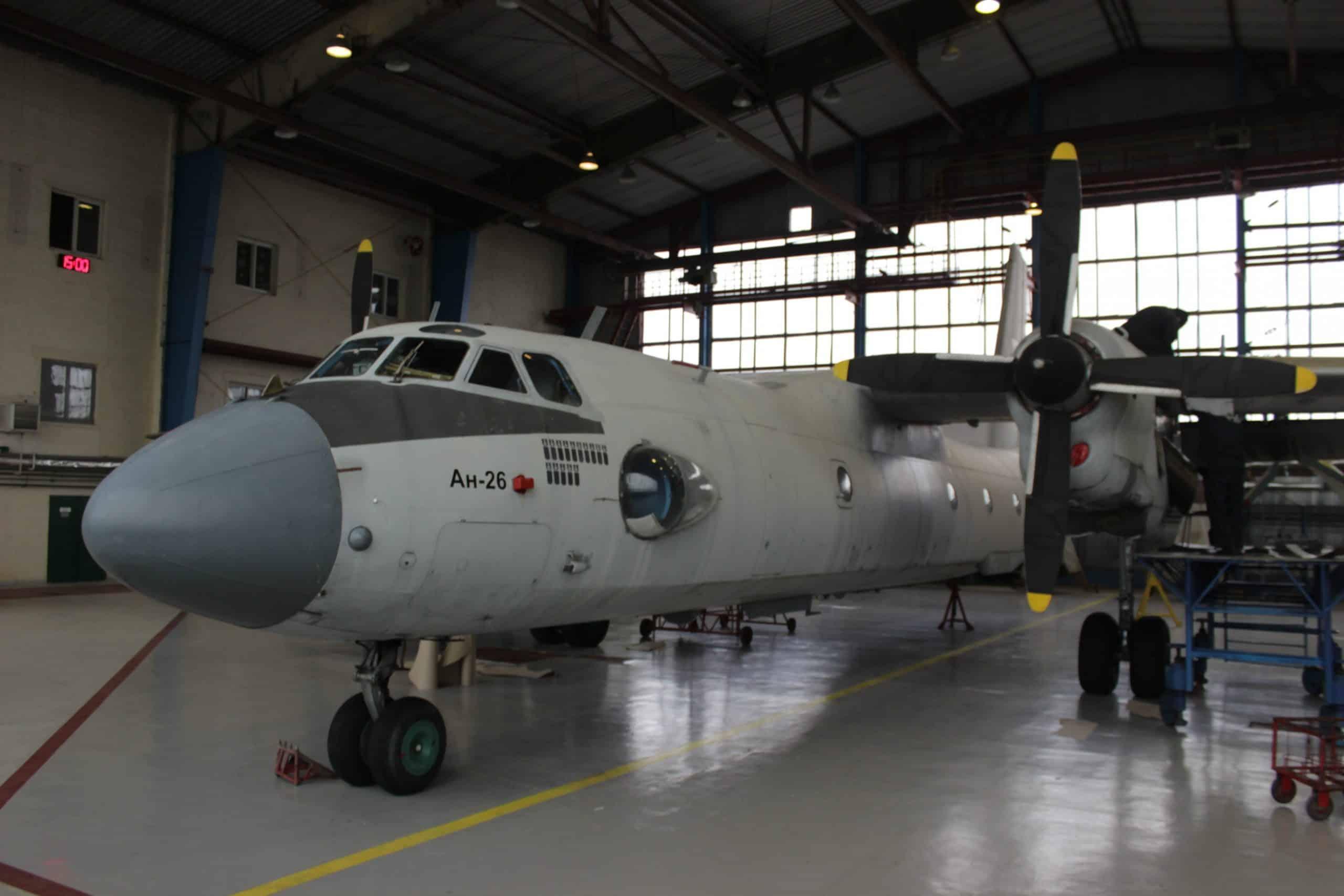 Літак Ан-26 ДНДЦ ПС ЗСУ на підприємстві 410 заводі цивільної авіації у лютому 2018 року