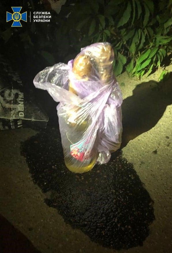 Пляшки із запалюючою сумішшю виявлені у затриманих