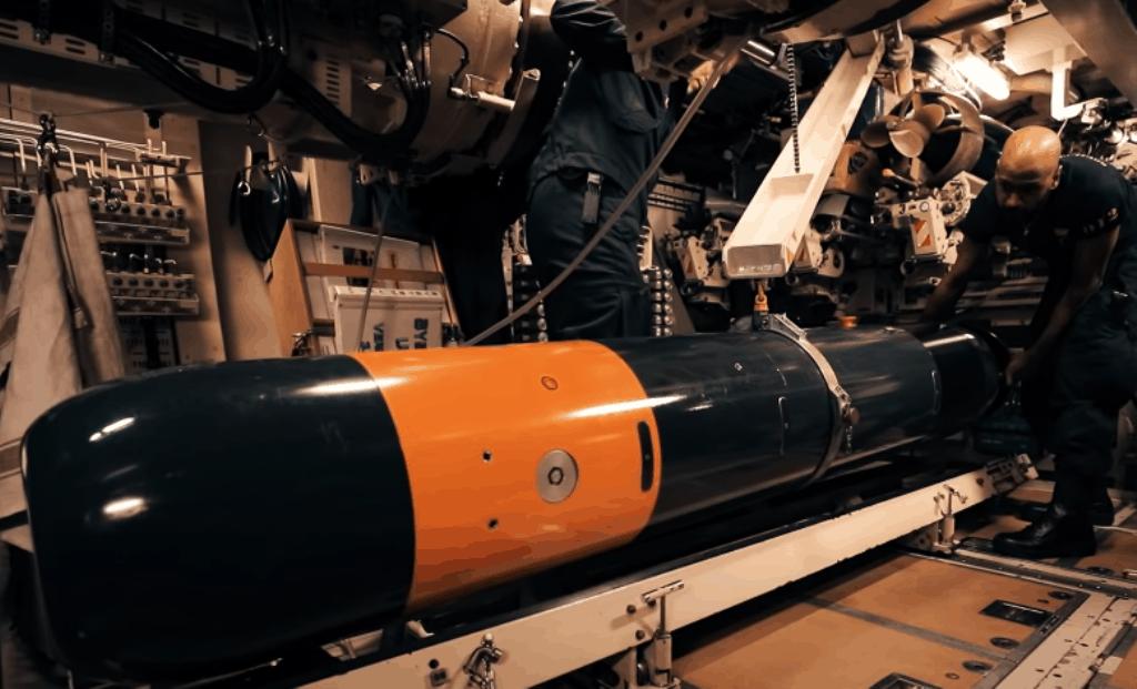 Підготовка торпеди SLWT. Фото: Saab AB