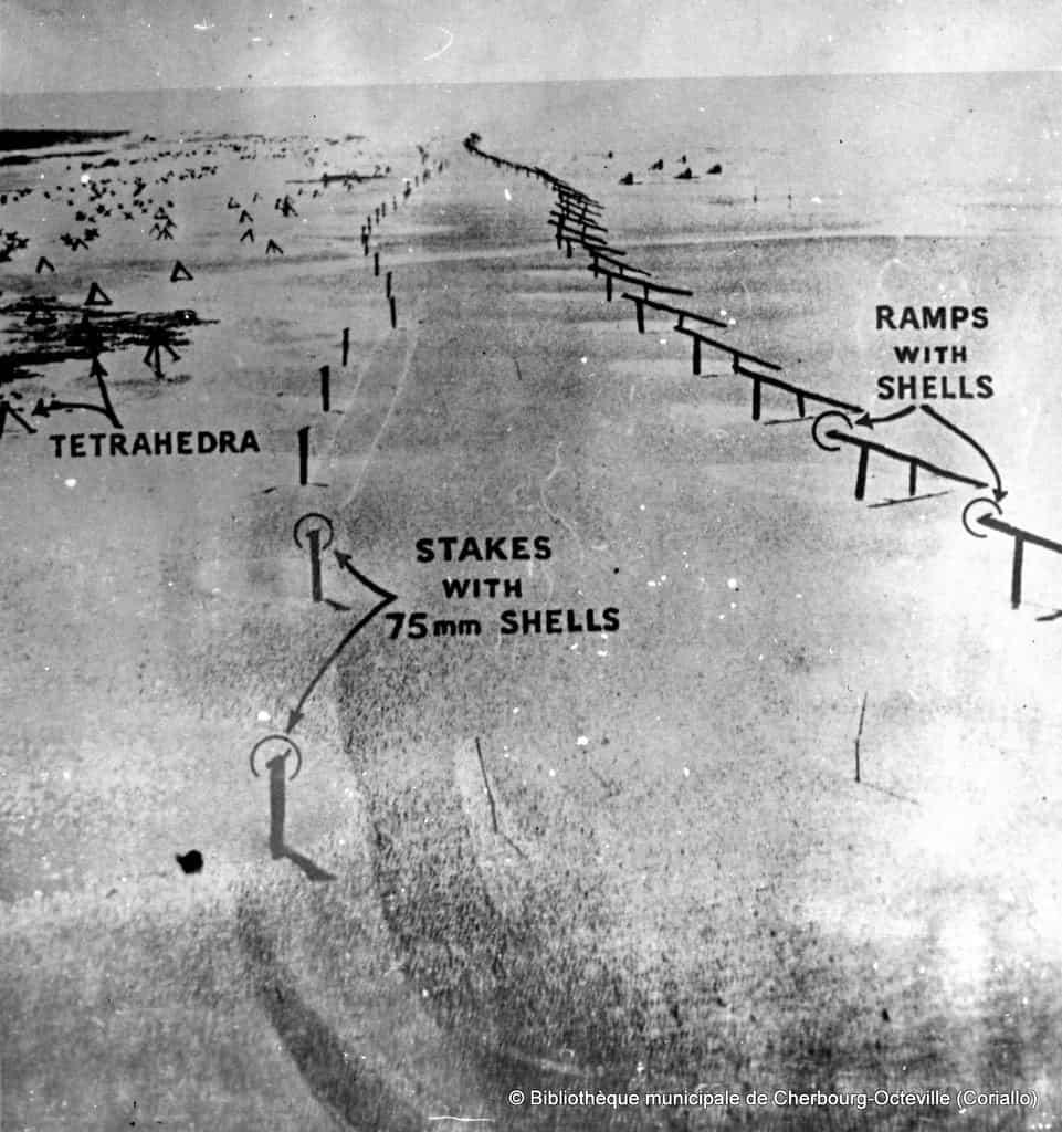 Схема фортифікації узбережжя Нормандії на фото